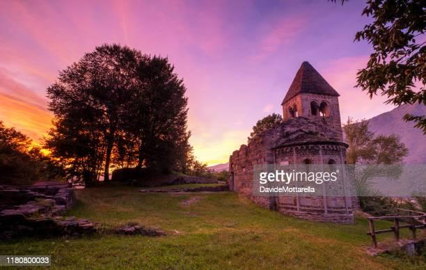 abbey of valleys, cluniac site - lombardia foto e immagini stock