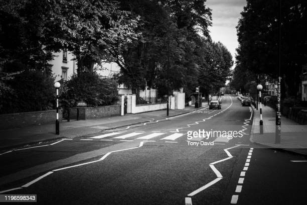 abbey road crossing without people - abbey road stock pictures, royalty-free photos & images