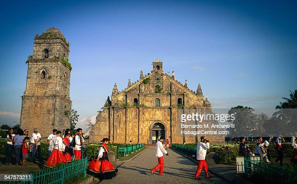 abbey road in paoay - filipino culture stock photos and pictures