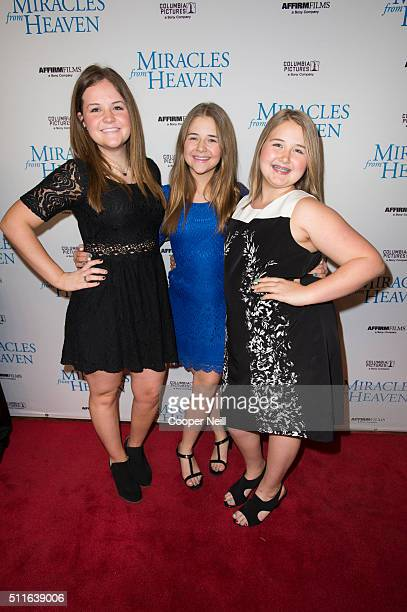 Abbie Beam Annabel Beam and Adelynn Beam pose for a photo on the red carpet for the premiere of 'Miracles From Heaven' on February 21 2016 in Dallas...