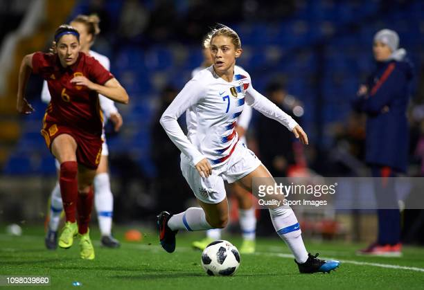 Abby Dahlkemper of The United States runs with the ball during the Women's International Friendly match between Spain and The United States at...