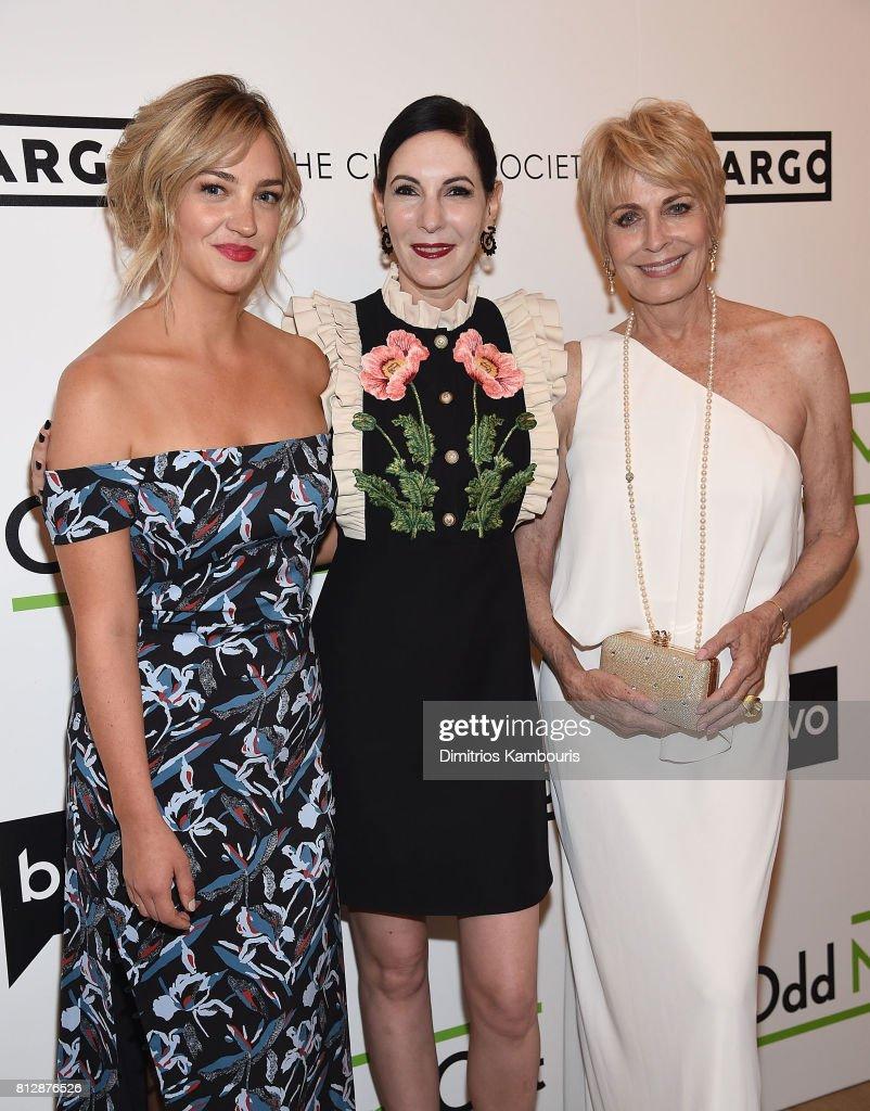 "The Cinema Society Hosts The Season 3 Premiere Of Bravo's ""Odd Mom Out"" - Arrivals : News Photo"