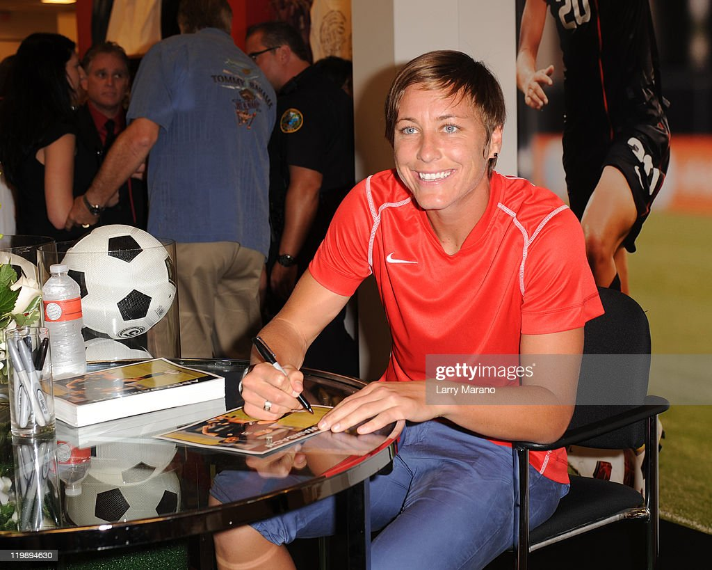 Meet And Greet With Soccer Star Abby Wambach Photos And Images