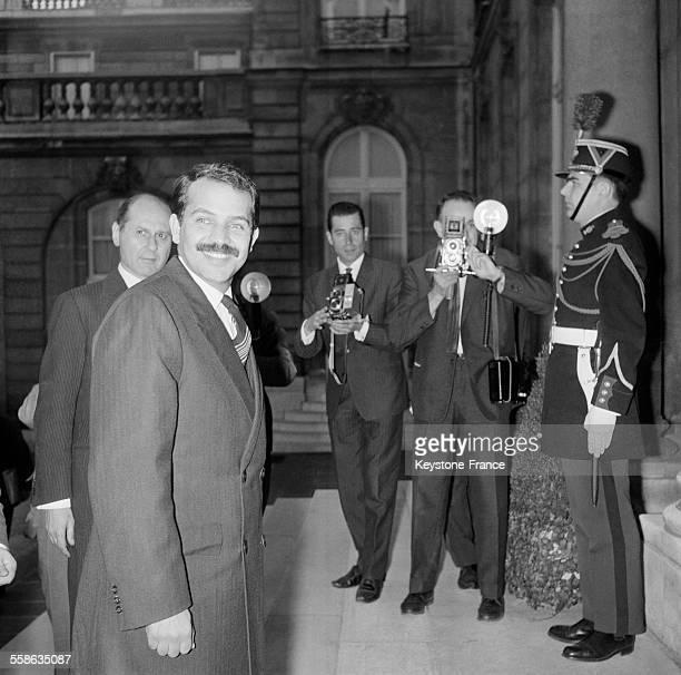 Abdelaziz Bouteflika ministre algérien des Affaires étrangères quittant l'Elysée après son entrevue avec le général de Gaulle le 11 octobre 1965 à...