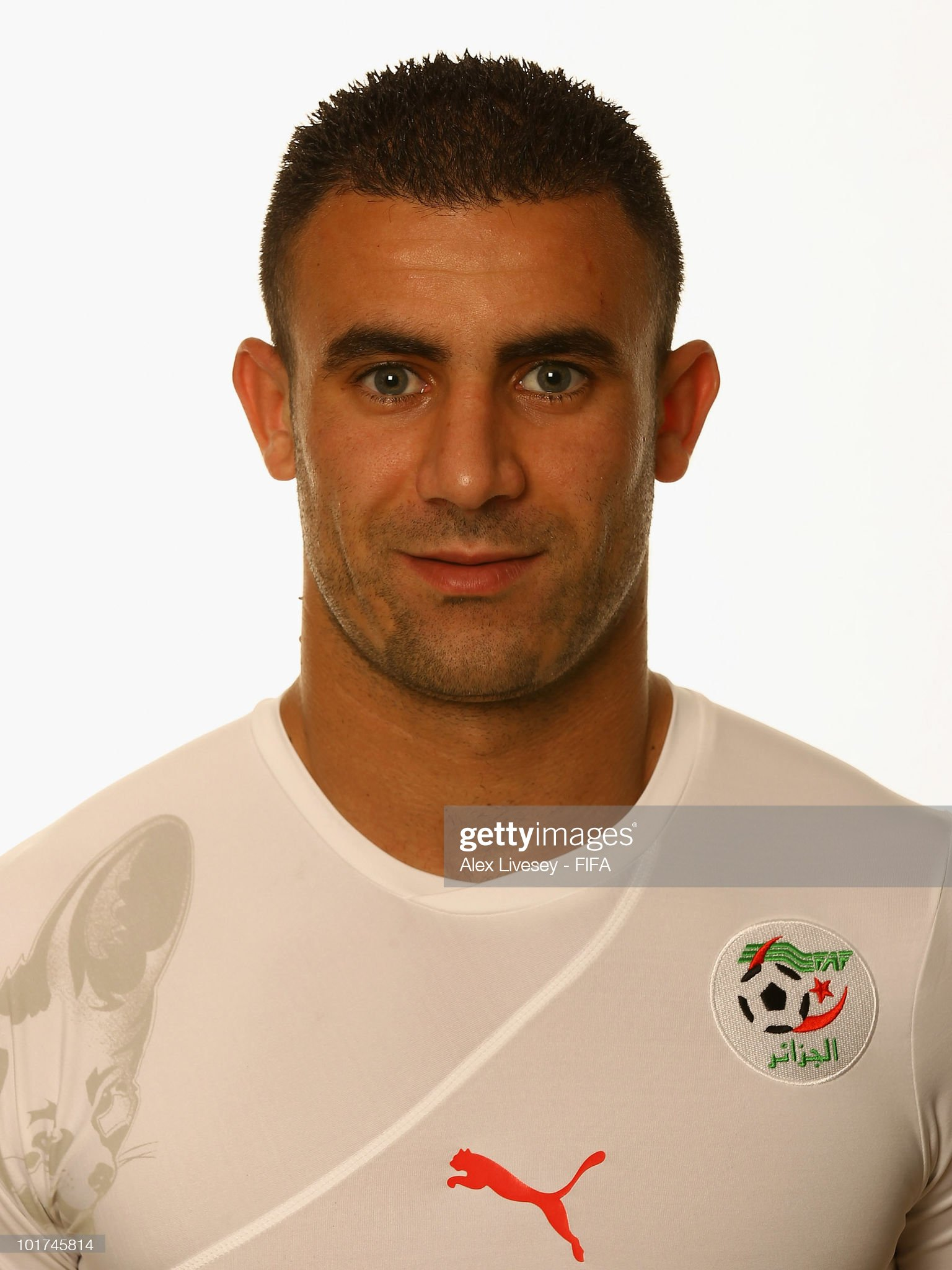Norteafricanos Abdelkader-ghezzal-of-algeria-poses-during-the-official-fifa-world-picture-id101745814?s=2048x2048