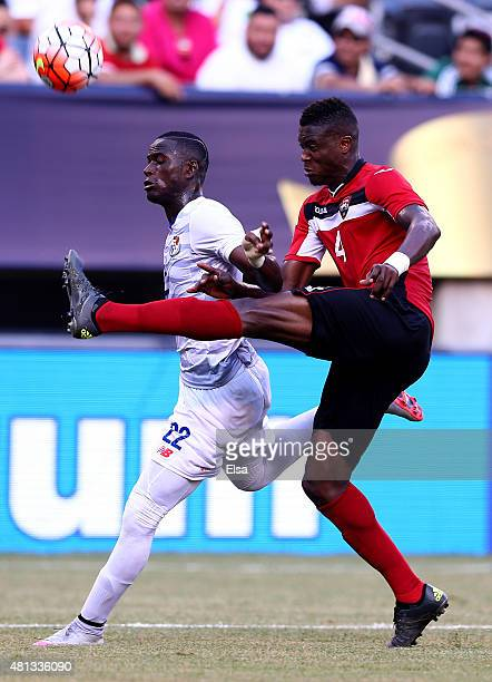 Abdiel Arroyo of Panama and Sheldon Bateau of Trinidad Tobago fight for the ball during the quarterfinals of the 2015 CONCACAF Gold Cup at MetLife...