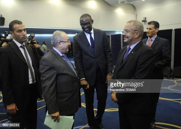 Abdoulaye Diop ministre des affaires étrangères malien et Ramtane Lamamra ministre algérien des affaires étrangères lors de la réunion du Comité de...