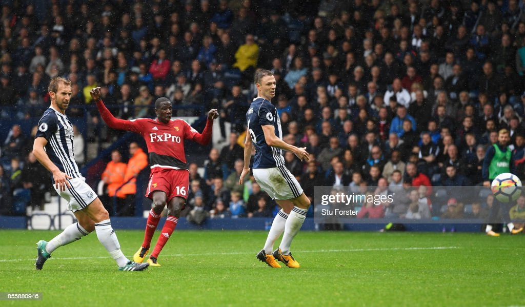Abdoulaye Doucoure (C) of Watford scores his side's first goal during the Premier League match between West Bromwich Albion and Watford at The Hawthorns on September 30, 2017 in West Bromwich, England.