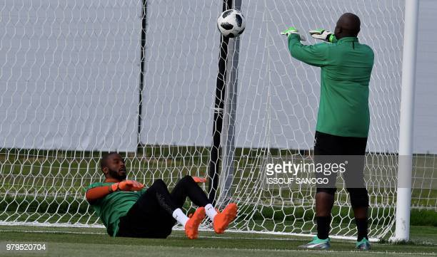 Abdoulaye Senegal's goalkeeper Abdoulaye Diallo takes part in a training session on June 20 2018 in Kaluga during the Russia 2018 World Cup football...