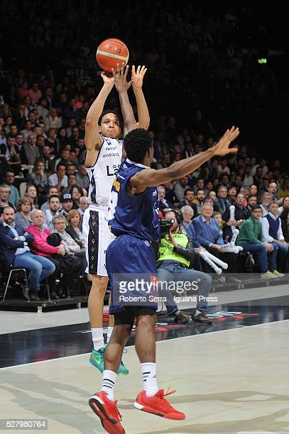 Abdul Gaddy of Obiettivo Lavoro competes with Charlon Kloof of Manital during the LegaBasket match between Virtus Obiettivo Lavoro Bologna v Auxilium...