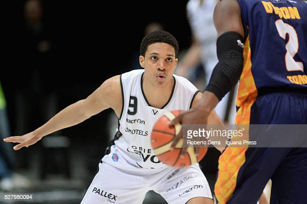 Abdul Gaddy of Obiettivo Lavoro competes with Jerome Dyson of Manital during the LegaBasket match between Virtus Obiettivo Lavoro Bologna v Auxilium...
