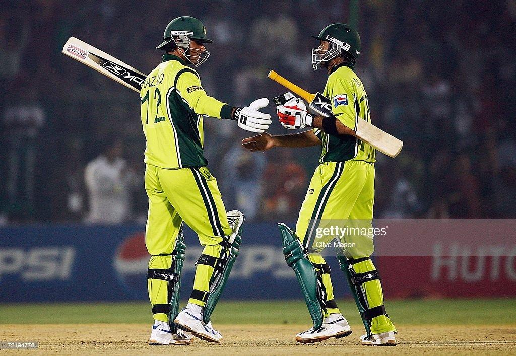 Pakistan v Sri Lanka : News Photo