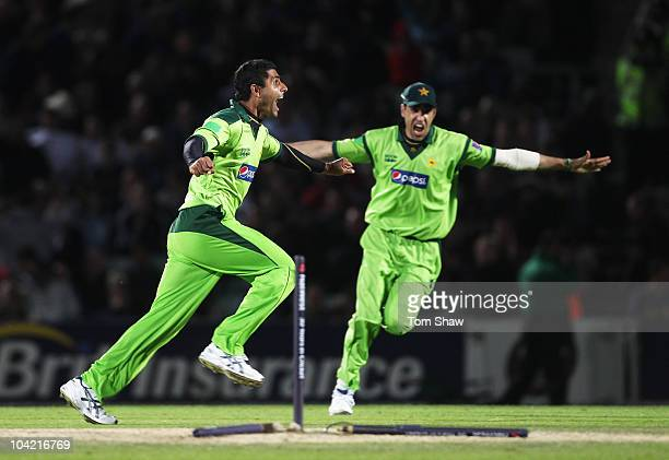 Abdul Razzaq of Pakistan celebrates the final wicket of James Anderson of England and victory with Umar Gul during the 3rd NatWest One Day...