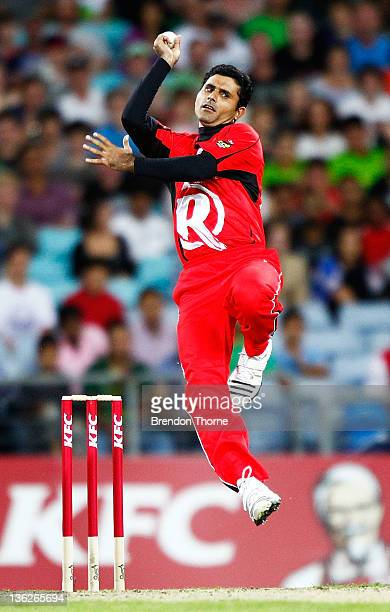 Abdul Razzaq of the Renegades bowls during the T20 Big Bash League match between the Sydney Thunder and the Melbourne Renegades at ANZ Stadium on...