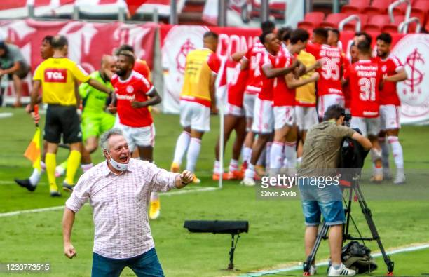 Abel Braga head coach of Internacional celebrates the first goal of their team during the match against Gremio as part of Brasileirao Series A 2020...