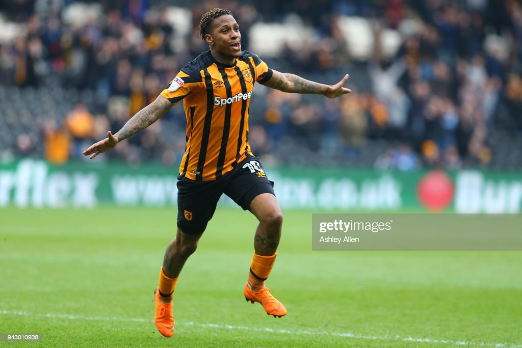 Abel Hernandez of Hull City celebrates scoring during the Sky Bet Championship match between Hull City and Queens Park Rangers at KCOM Stadium on April 7, 2018 in Hull, England.