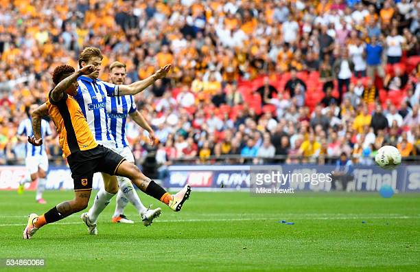 Abel Hernandez of Hull City shoots at goal during Sky Bet Championship Play Off Final match between Hull City and Sheffield Wednesday at Wembley...