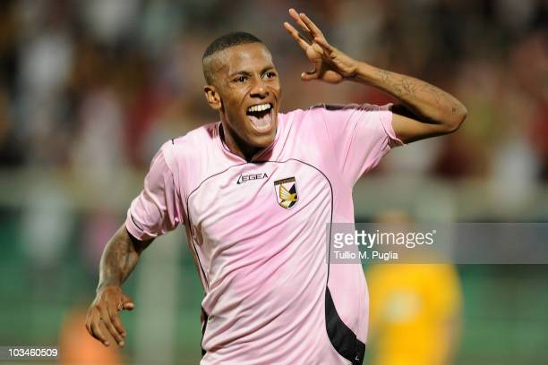 Abel Hernandez of Palermo celebrates after scoring his team's second goal during the Europa League PlayOffs first leg match between US Citta di...