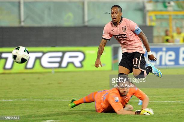 Abel Hernandez of US Citta di Palermo scores the opening goal during the Serie B match between US Citta di Palermo and Empoli FC on August 31, 2013...