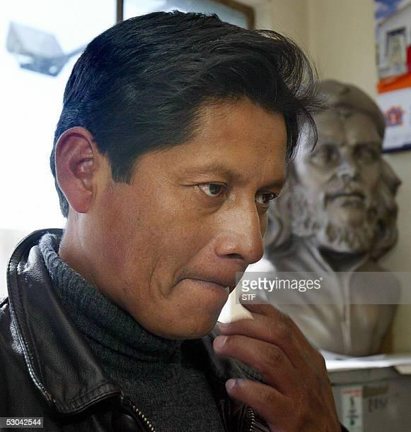 Abel Mamani dirigente de la Federacion de Juntas Vecinales de Bolivia habla durante una entrevista el 09 de junio de 2005 en El Alto Mamani manifesto...