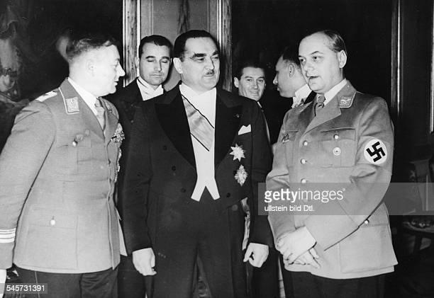 Abendempfang zu Ehren des jugoslawischenMinisterpräsidenten Milan Stojadinovic und seiner Ehefrau im ReichspräsidentenPalais in Berlin Dr Milan...