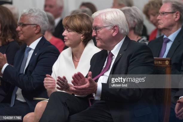 Abendgespraech beim Bundespraesidenten Frank Walter Steinmeier in der Villa Hammerschmidt in Bonn Ekle Buedenbender Oberbuergermeister der Stadt Bonn...