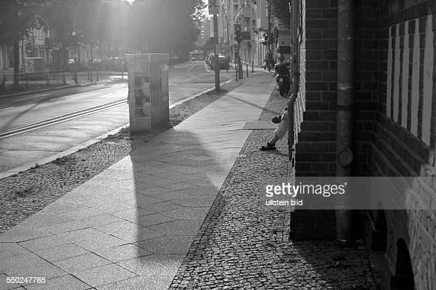 Abendliche Wichertstrasse in Berlin-Prenzlauer Berg