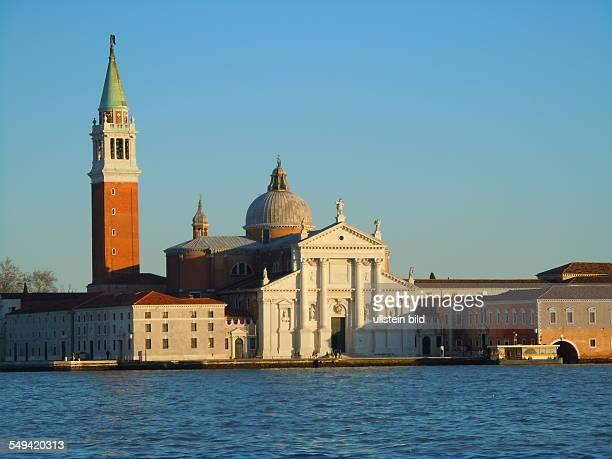 Abendsonne scheint auf die Kirche San Giorgio Maggiore