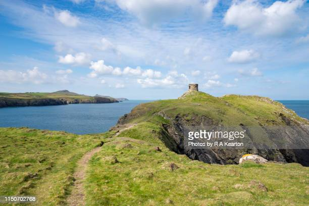 abereiddy tower, pembrokeshire, wales - south wales stock pictures, royalty-free photos & images