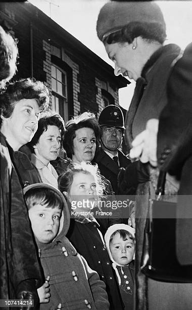 Aberfan Tragedy Queen Elizabeth Talking To Survivors At Wales In United Kingdom On October 25Th 1966