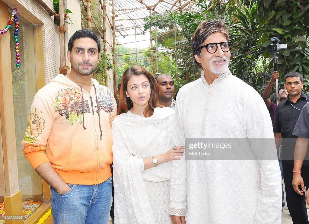 Abhishek Amitabh and Aishwarya Bachchan meet the people outside Pratiksha on the occasion of Big B`s birthday in Mumbai on October 11 2010