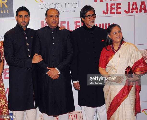 Abhishek Amitabh and Jaya Bachchan with Ashutosh Gowariker at the premiere of the film 'Khelein hum jee jaan se' in Mumbai on December 2 2010