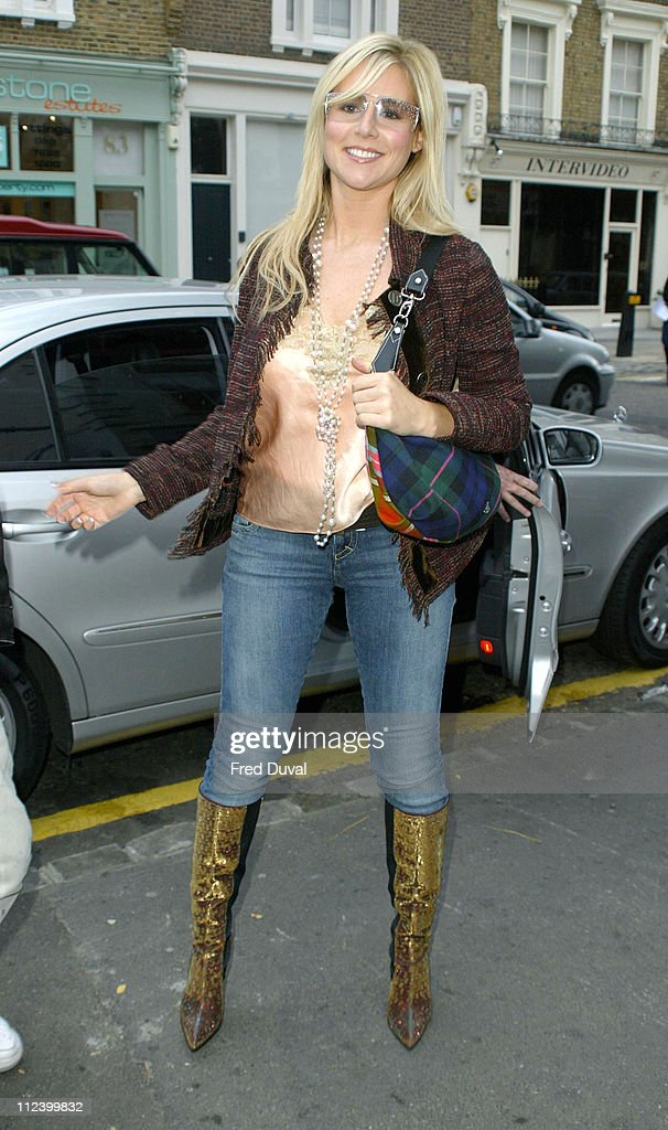 London Fashion Week Spring 2005 - Scott Henshall - Arrivals : News Photo