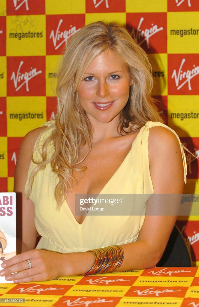 "Abi Titmuss Signs Her Book ""10 Fantasies"" at Virgin Megastore in London - July 20, 2005 : News Photo"