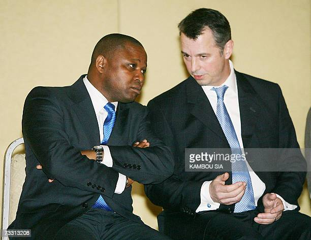 Roald Goethe , spokesman of the Dutch company Trafigura, listens to Camara Adama , lawyer of the Trafigura company, 13 February 2007 in Abidjan. The...