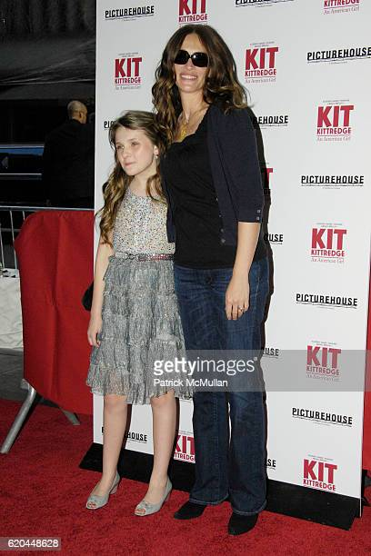 Abigail Breslin and Julia Roberts attend Premiere of PICTUREHOUSE's KIT KITTREDGE: AN AMERICAN GIRL at The Ziegfeld Theater on June 19, 2008 in New...