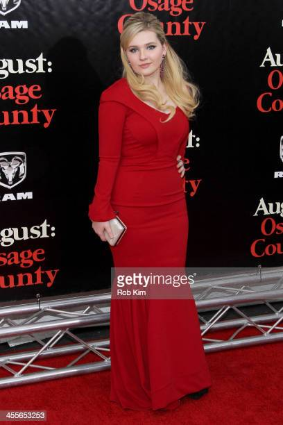 Abigail Breslin attends the premiere of AUGUSTOSAGE COUNTY presented by The Weinstein Company with DeLeon Tequila on December 12 2013 in New York City
