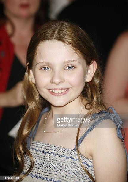 "Abigail Breslin during ""Little Miss Sunshine"" New York Premiere - Outside Arrivals at AMC Loews Lincoln Square in New York, New York, United States."