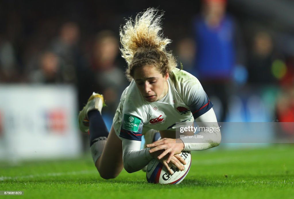 Abigail Dow of England scores a try during the Old Mutual Wealth Series match between England and Canada at Twickenham Stadium on November 25, 2017 in London, England.