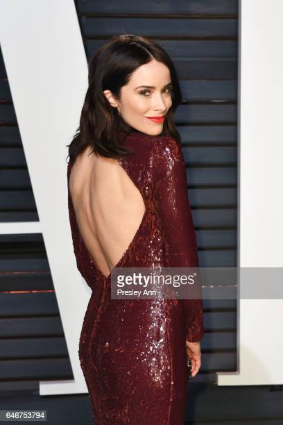 Abigail Spencer attends the 2017 Vanity Fair Oscar Party hosted by Graydon Carter at Wallis Annenberg Center for the Performing Arts on February 26...