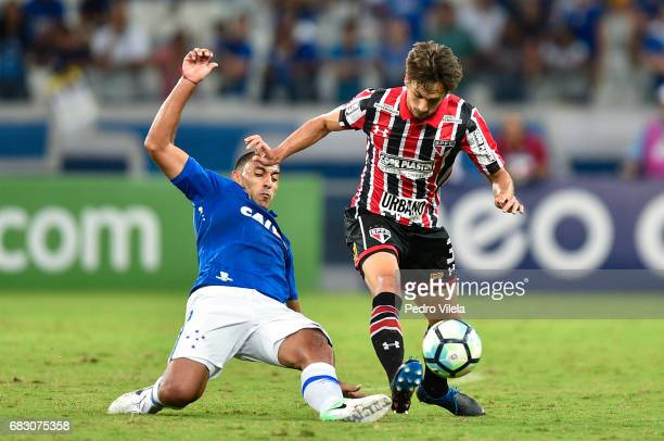 Abila of Cruzeiro and Rodrigo Caio of Sao Paulo battle for the ball during a match between Cruzeiro and Sao Paulo as part of Brasileirao Series A...