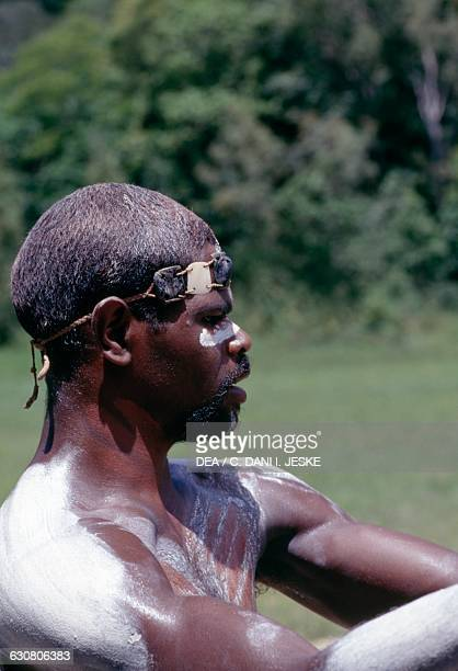 Aborigine Tjapukaj Queensland Australia
