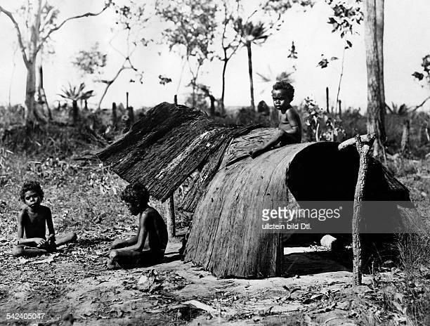 AboriginesKinder im Australischen Busch 1935Aufnahme Emil Otto Hoppe/Agentur Dorien Leigh