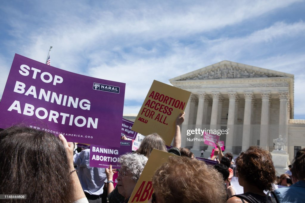 Abortion Rights Activist Protest Outside Supreme Court : News Photo