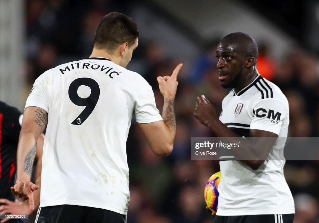 Fulham FC v Huddersfield Town - Premier League : News Photo
