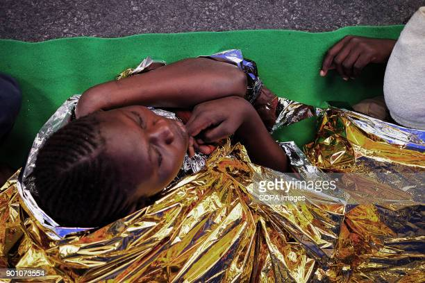 About 1500 african refugees land in Naples from Vos Prudence a rescue boat of Medecins Sans Frontieres On May 28th 2017 Vos Prudence a rescue boat of...