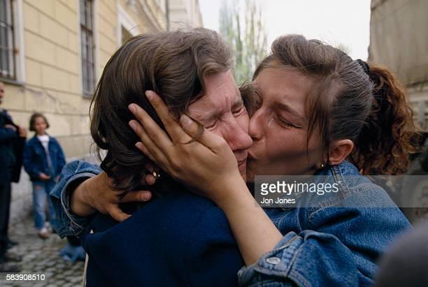 About 300 Muslim refugees arrive in Travnik after leaving Banja Luka under Serbian pressure.
