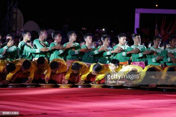 About 500 traditional dancers performed the Rapai Geleng dance in Banda Aceh Aceh Province Indonesia The performance was held at the opening of a...
