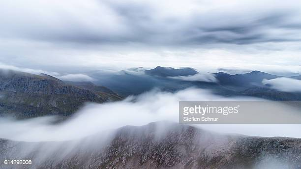 above the clouds over the clouds betweem the clouds mountain - grampian scotland stock pictures, royalty-free photos & images