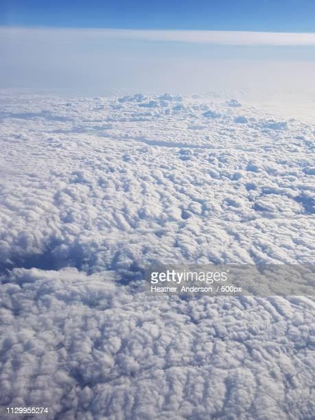 above the clouds - グイチアン ストックフォトと画像